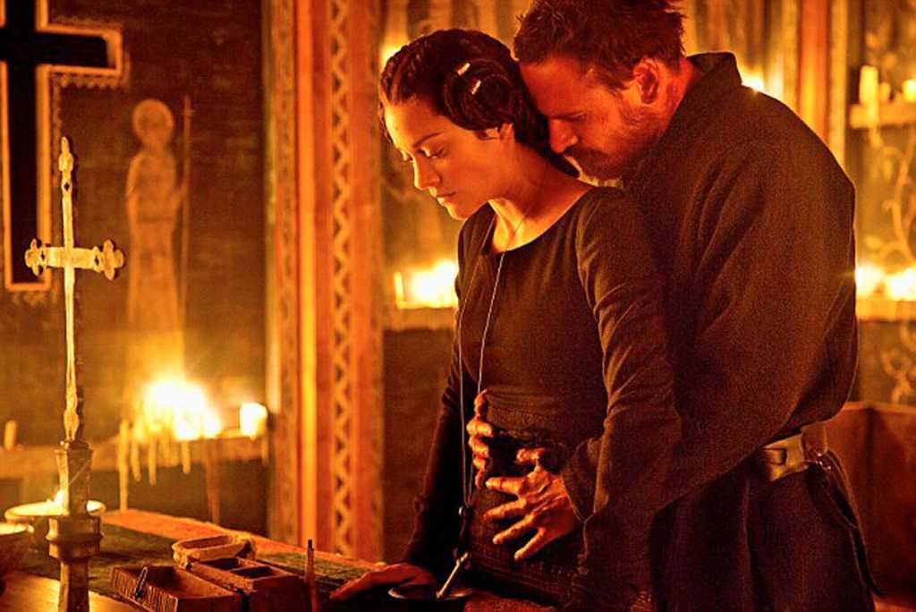 Lady Macbeth (Cotillard) et Lord Macbeth (Fassbender)  partagés entre désir et ambition - Image droits réservés