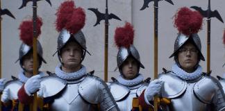 L'esercito più piccolo del mondo, par Gianfranco Pannone