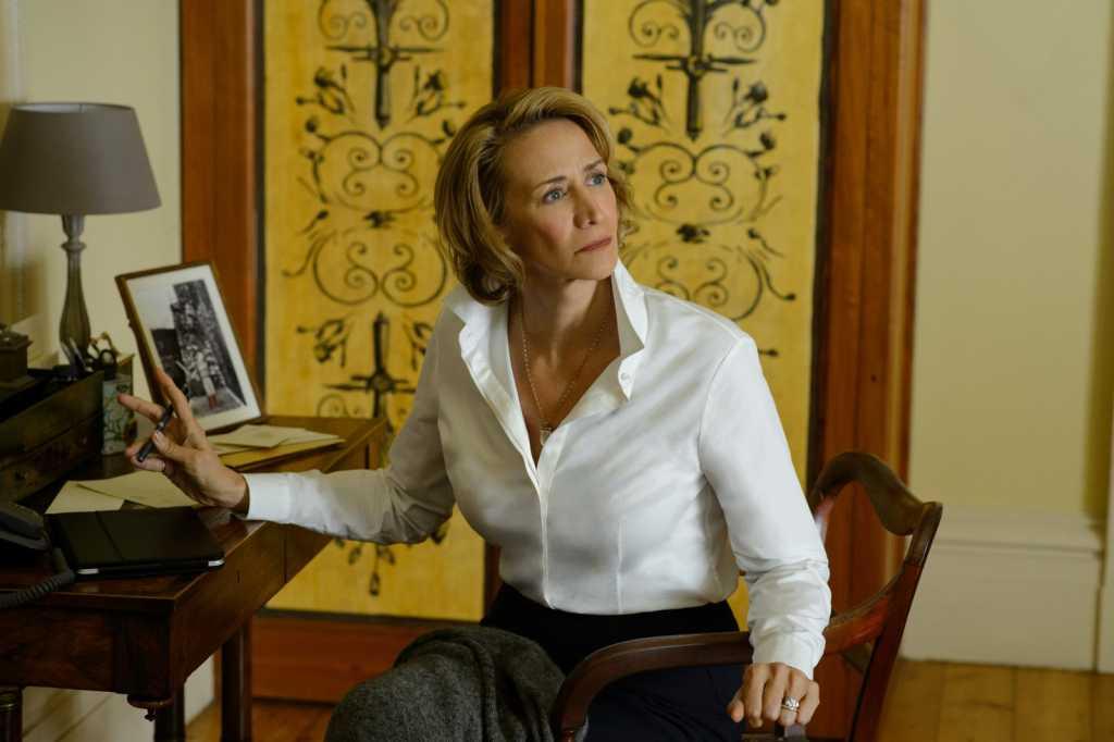 Janet McTeer campe une mère désemparée mais consciente de l'issue fatale - Image droits réservés - © Warner Bros