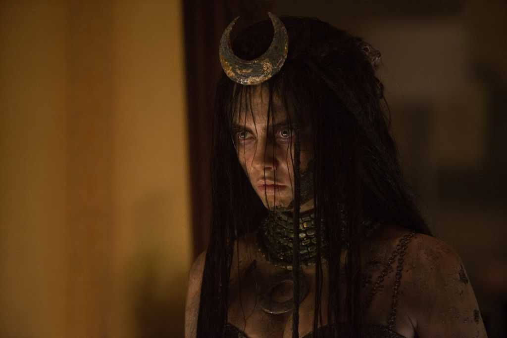 Enchantress (Cara Delevingne), la sorcière maléfique - Image droits réservés - © Warner Bros