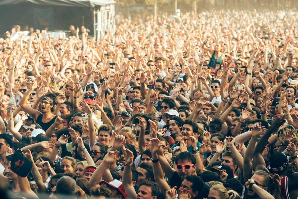 La foule en folie /Tous droits réservés/ Victor Picon